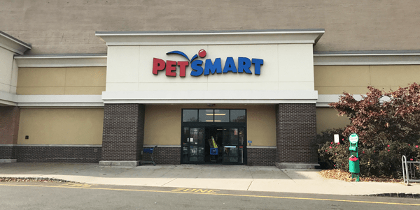 Petsmart-store-front_600